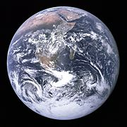 https://upload.wikimedia.org/wikipedia/commons/thumb/9/97/The_Earth_seen_from_Apollo_17.jpg/180px-The_Earth_seen_from_Apollo_17.jpg